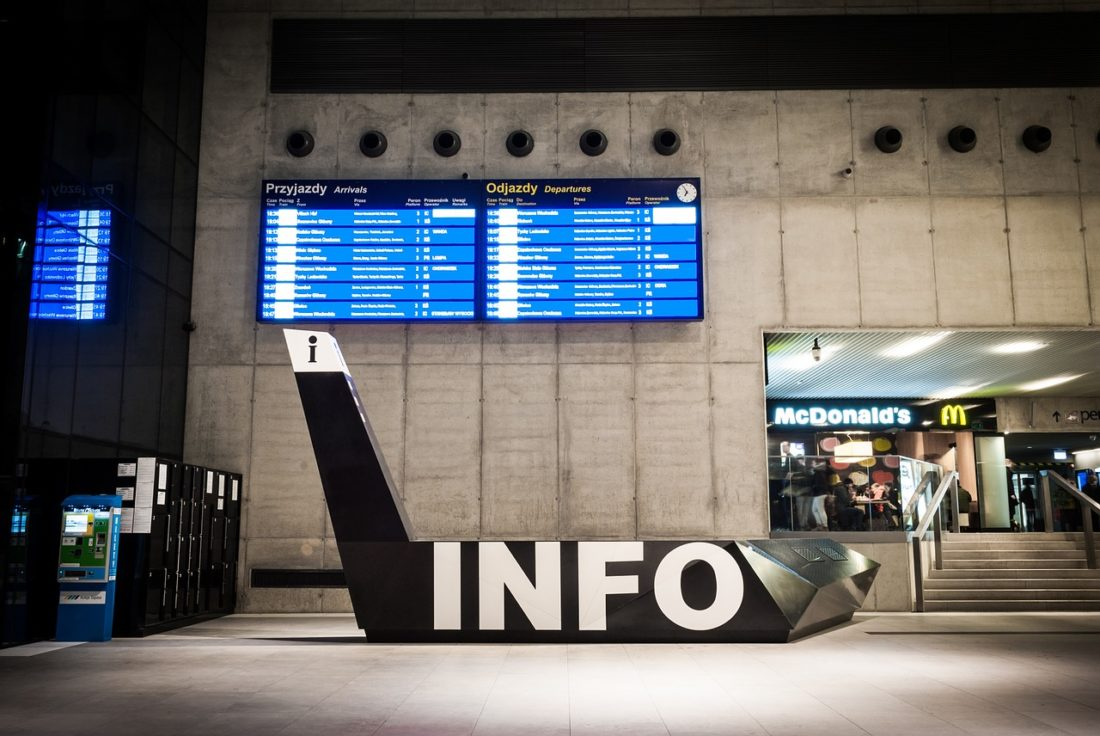 railway-station-1016981_1280