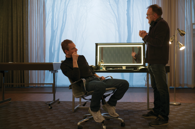 steve_jobs_on_set_1-620x412