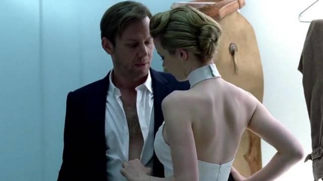 Zwierz tak się wprawił w oglądaniu seriali HBO że potrafi już bez pudła powiedzieć kto i kiedy zdejmie spodnie